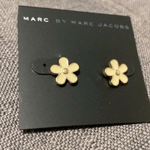 Marc Jacobs Daisy stud earrings